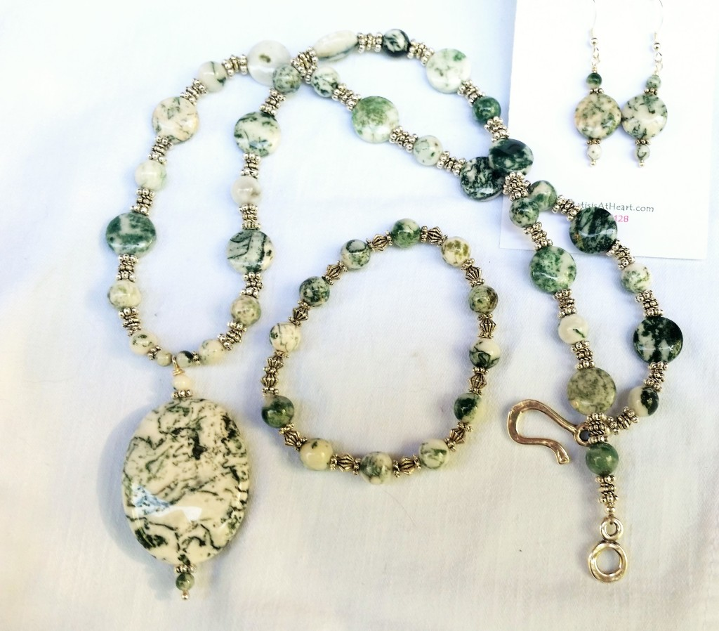 Green Agate Necklace, Earrings and Bracelet